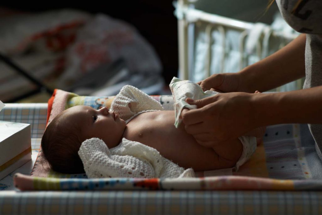 mum night nappy newborn